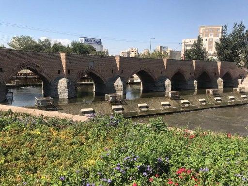 پل تاریخی هفت چشمه در اردبیل مشخص حریم شد