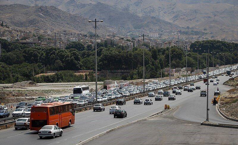 خبرنگاران تصادف در آزاد راه کرج - قزوین ترافیک سنگین ایجاد کرد