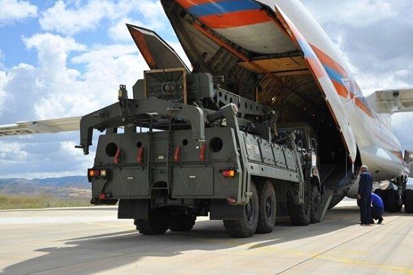 ترکیه: با وجود تهدید آمریکا، از موشک های اس 400 استفاده می کنیم