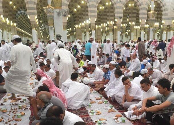 لغو ضیافت افطاری ماه رمضان در مسجد النبی (ص)
