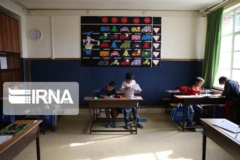خبرنگاران آموزش وپرورش مازندران: والدین از مراجعه غیرضروری به مدارس بپرهیزند