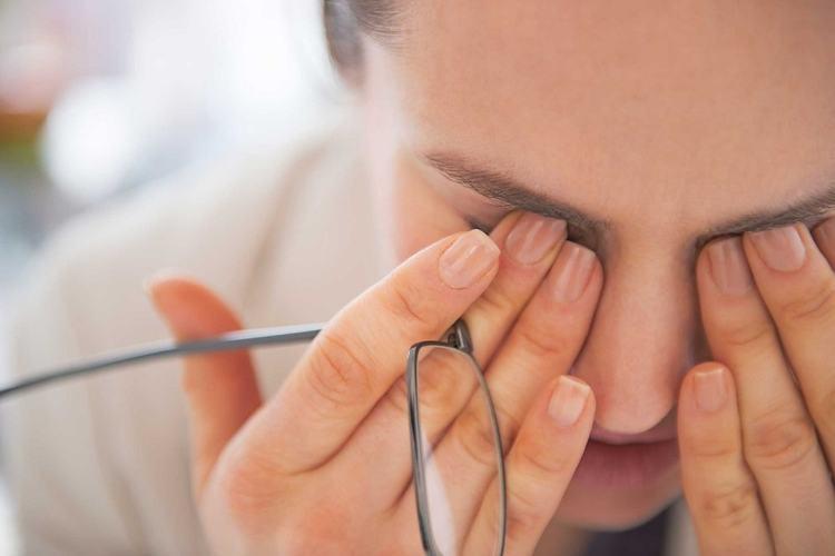 چگونه از آلودگی چشم ها به ویروس کرونا جلوگیری کنیم؟