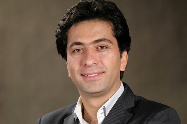 آواز زیبای محمد معتمدی در جوار حرم رضوی