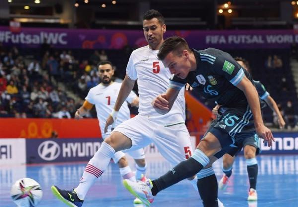 سفال منش: تیم ملی فوتسال ساختار دفاعی تعیین و تنوع تاکتیکی ندارد، از تیمی 2 گل خوردیم که 7 گل از صربستان دریافت کرد